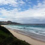 Blick auf den Strand des Surfcamps des Jugendwerk der AWO Württemberg in Comillas Spanien