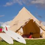 Ein Zelt im Surfcamp Comillas in Spanien